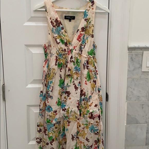 ABS Allen Schwartz Dresses & Skirts - ABS Allen Schwartz floral voile v neck dress